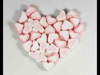 浪漫清新的爱心棉花糖电脑桌面壁纸