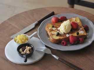 草莓面包小清新早餐图片