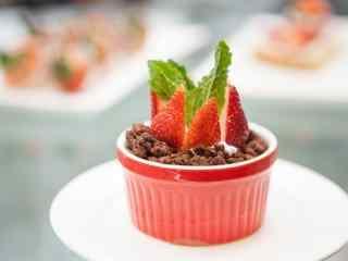 小清新草莓蛋糕图