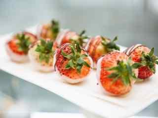 创意奶油草莓图片