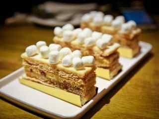 白巧克力切片蛋糕图片