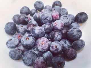 小清新好吃的蓝莓桌面壁纸