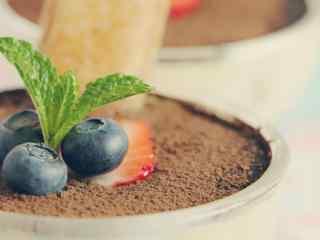 创意蓝莓提拉米苏