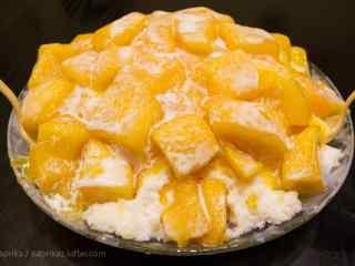 香甜可口的芒果绵绵冰桌面壁纸
