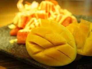 鲜嫩可口的芒果桌面壁纸