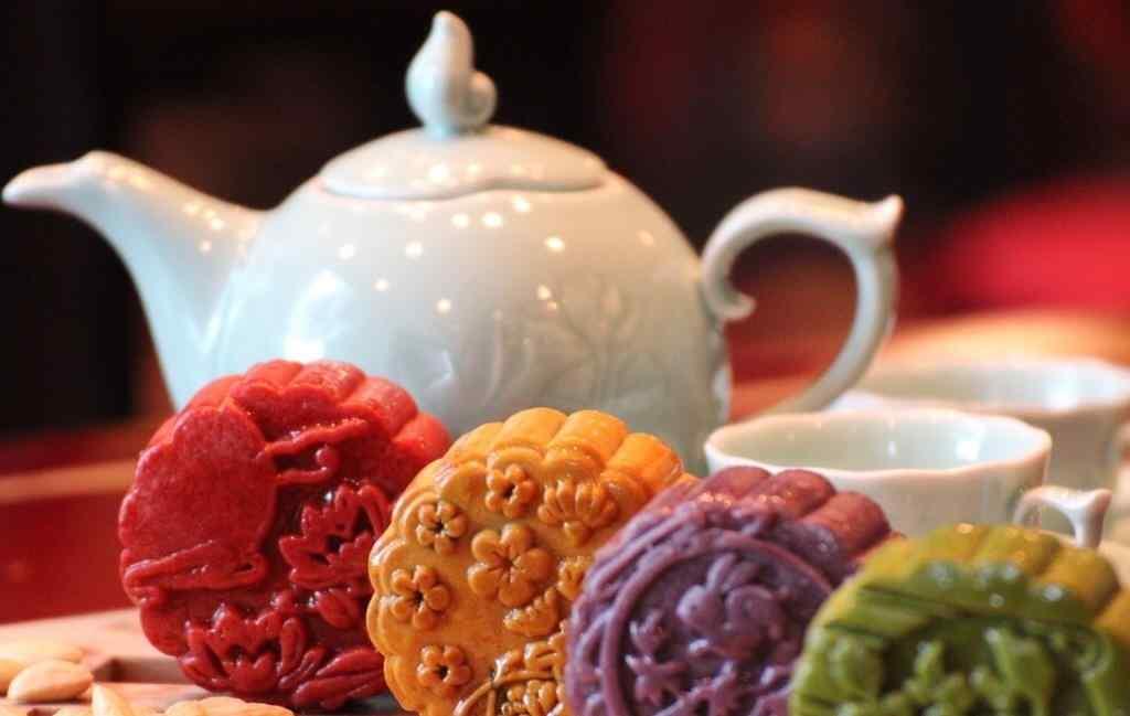 中秋节美食之彩色月饼壁纸
