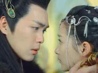 关晓彤在《九州天空城》中的吻戏剧照图片下载