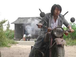 周星驰电影骑摩托