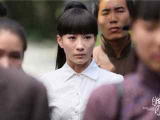 胭脂影视剧照冯曼娜在人群中桌面壁纸