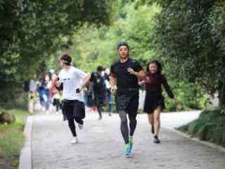 综艺节目看你往哪跑杭州站张继科徐海乔奔跑桌面壁纸