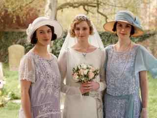 唐顿庄园二姐伊迪丝出嫁三姐妹合照桌面壁纸
