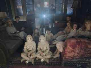 《佩小姐的奇幻城堡》孤儿院学校剧照图