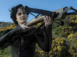 《佩小姐的奇幻城堡》伊娃·格林帅气剧照图片