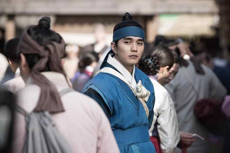 君主假面的主人之俞承豪图片