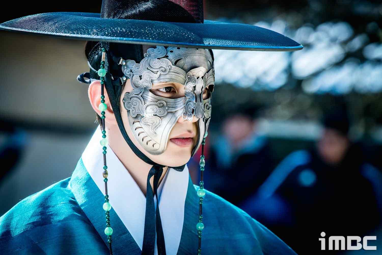 君主假面的主人俞承豪高清壁纸
