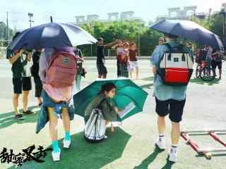 电视剧甜蜜暴击关晓彤花絮图片
