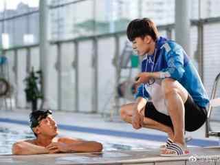 网剧蔚蓝50米泳池