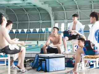 蔚蓝50米游泳馆内日常剧照壁纸
