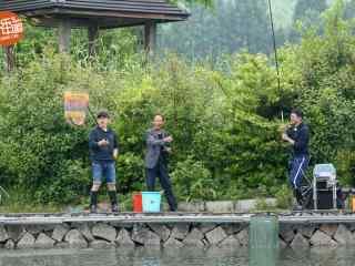 向往的生活黄渤王迅钓鱼剧照图片