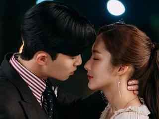 韩剧《金秘书为何那样》朴敏英朴叙俊接吻剧照图片