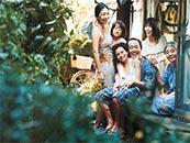 《小偷家族》欢乐和谐一家人剧照