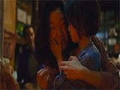 《小偷家族》妈妈柴田信代和妹妹由里
