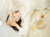 菅纫姿性感镂空裙居家写真高清壁纸图片