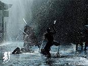 張藝謀(mou)《影》雨中打斗戲高清(qing)劇(ju)照圖片