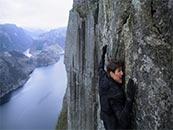 《碟中谍6:全面瓦解》阿汤哥绝壁攀援高清剧照图片