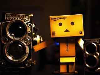 单反相机禄来福来Rolleiflex纸盒人桌面壁纸
