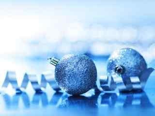 蓝色唯美的圣诞节装饰品桌面壁纸
