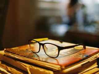 简约眼镜摆拍唯美