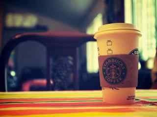 星巴克纸杯logo图片桌面壁纸