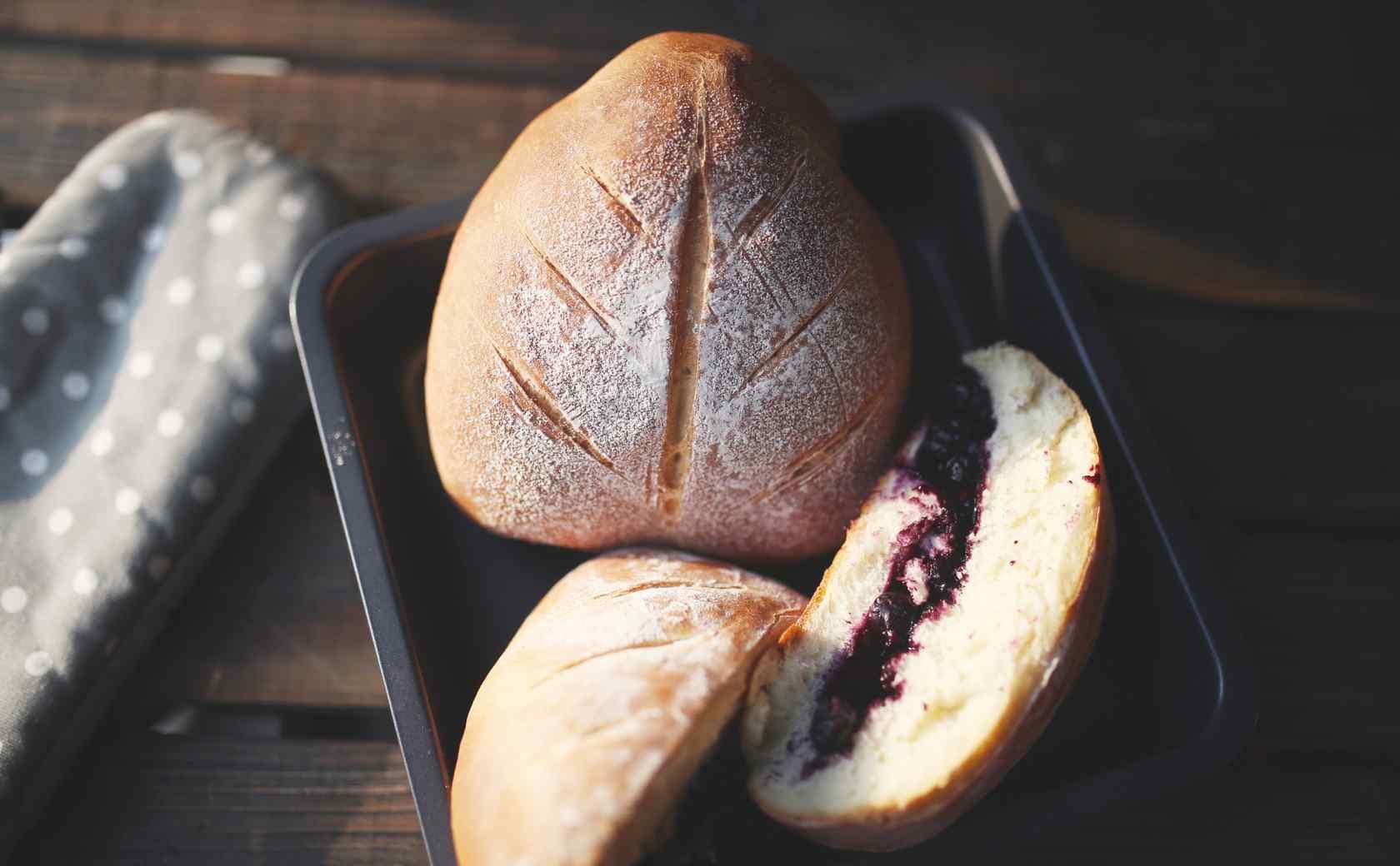 特色红豆面包美食壁纸图片