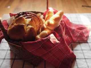 小花篮里的面包图片高清桌面壁纸