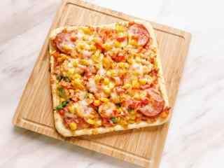 美味独特的方形披萨图片