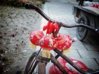 元宵节传统红色小灯笼图片桌面壁纸