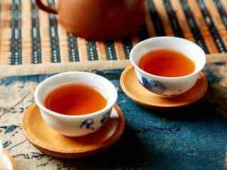 茶文化—两杯醇香红茶桌面壁纸