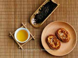 茶文化—浓香茶叶配上茶点桌面壁纸
