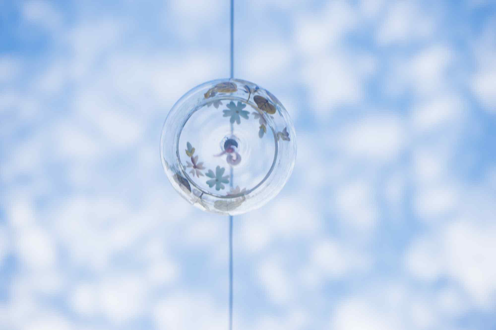 小清新蓝天下日式 风铃桌面壁纸