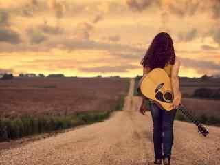 带上吉他说走就走旅行桌面壁纸