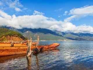 泸沽湖船舶摄影图