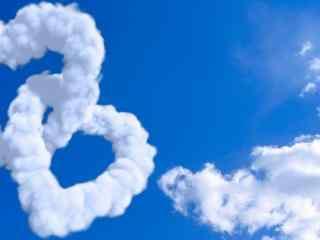 创意蓝天爱心云朵