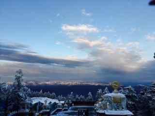 峨眉山山顶靓丽风景桌面壁纸