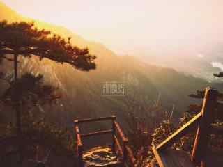 夕阳下的庐山真面目桌面壁纸
