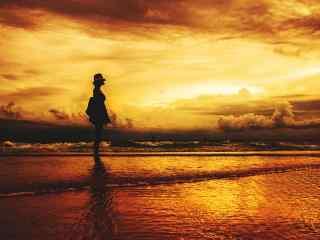 黄昏时的长滩岛上唯美剪影