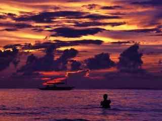 唯美晚霞下的长滩岛壁纸