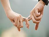 情侶浪漫唯美牽手