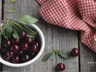 诱人樱桃盆装水果