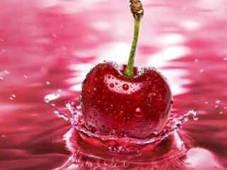 落入水中的一颗红樱桃图片桌面壁纸